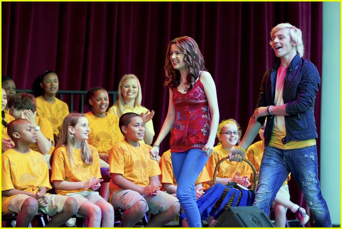ross lynch laura marano kids nature wdw 02