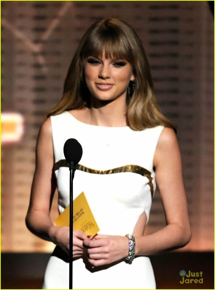 taylor swift entertainer year acms 04
