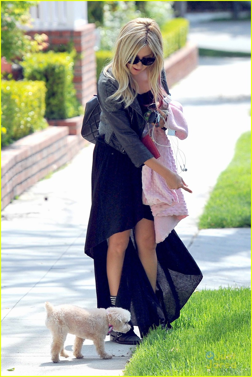 ashley tisdale op set interview 09