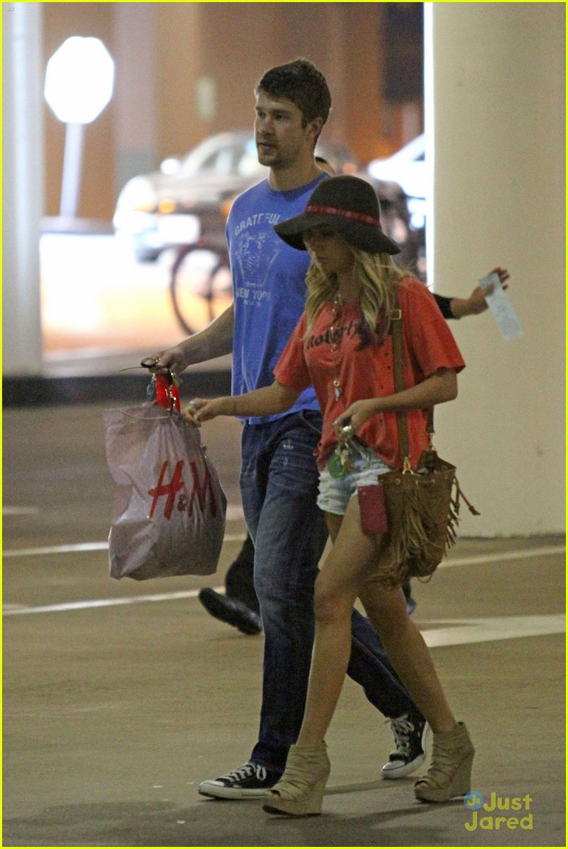ashley tisdale scott speer shopping 13