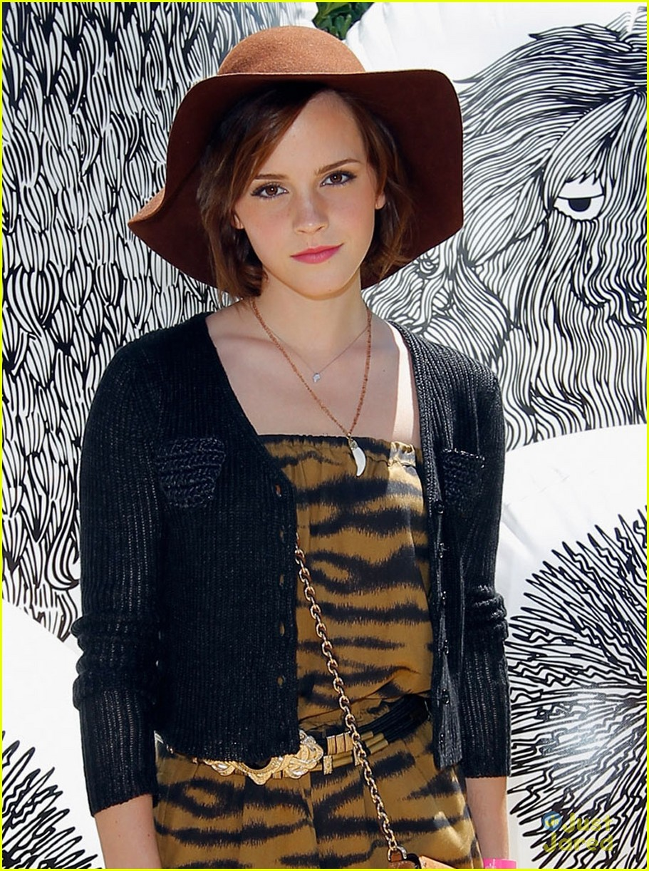 emma watson lily collins mulberry bbq 03