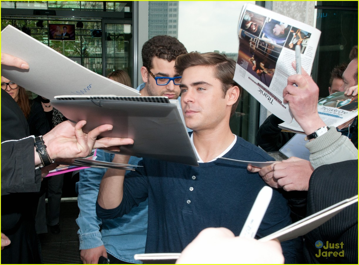 zac efron tlo berlin 03