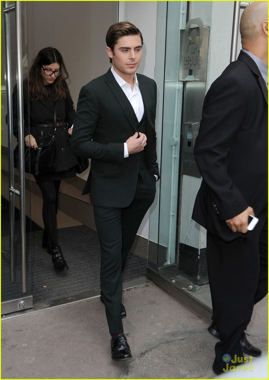 zac efron daybreak london 03