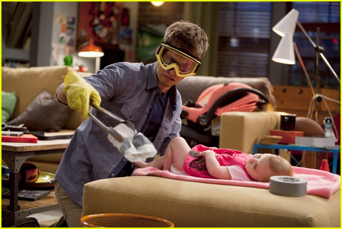 baby daddy pilot pics 09