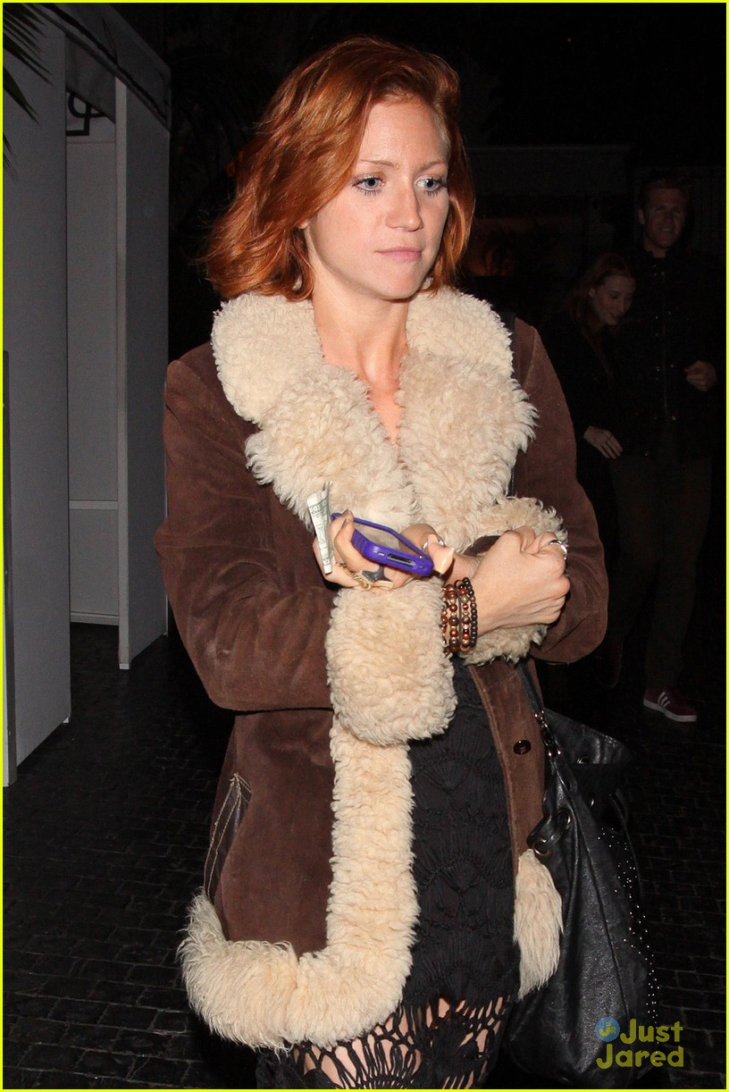 brittany snow chateau night 03