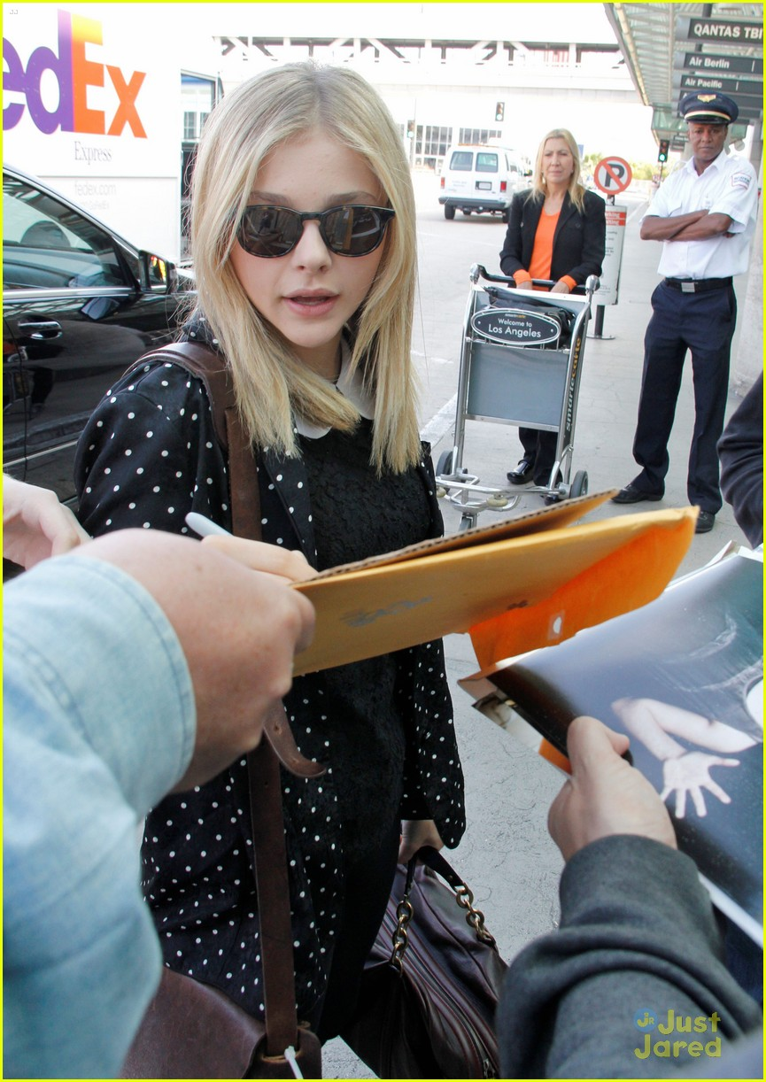 chloe moretz dark shadows uk 04
