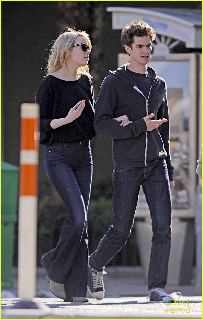 emma stone andrew garfield stroll 07