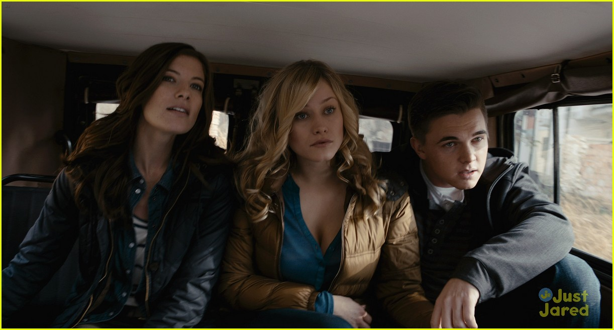 jesse mccartney chernobyl diaries 04