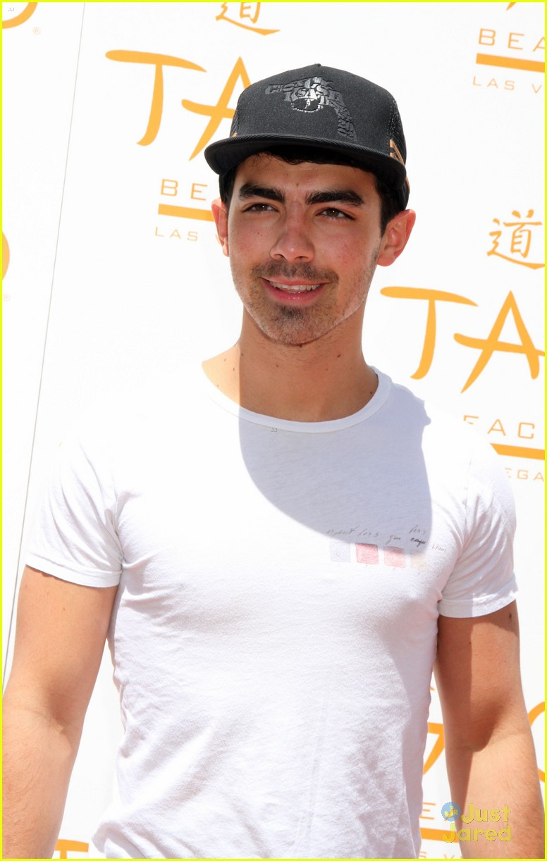 joe jonas goodbye hr 01
