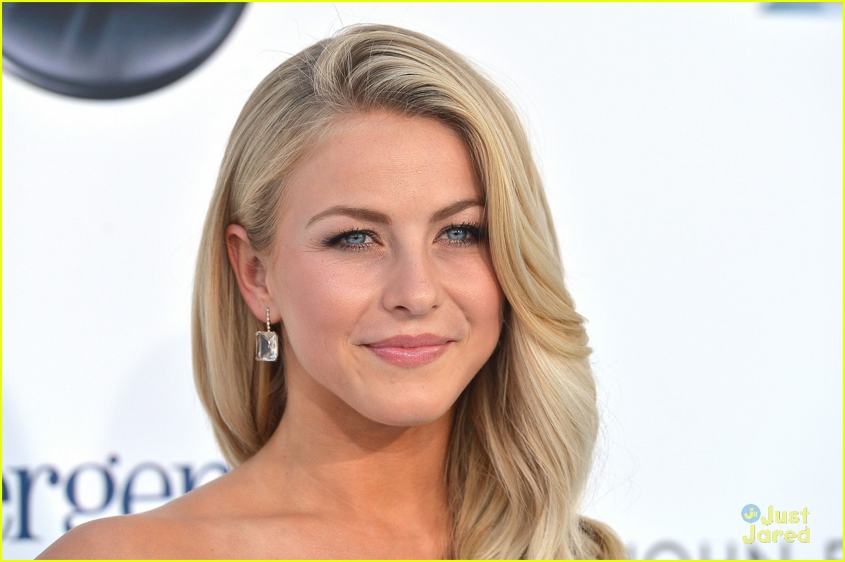 julianne hough 2012 bbma 08