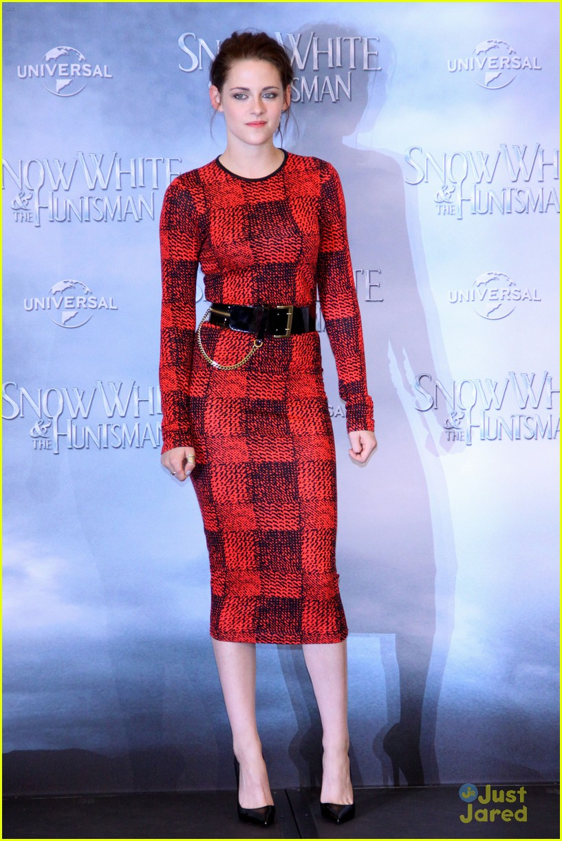 Full Sized Photo Of Kristen Stewart Berlin Snow White 01