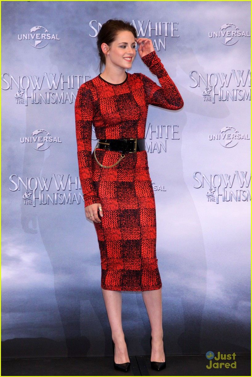 kristen stewart berlin snow white 05