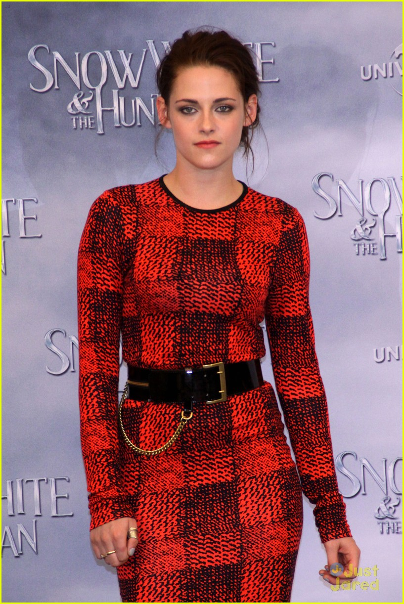 kristen stewart berlin snow white 13