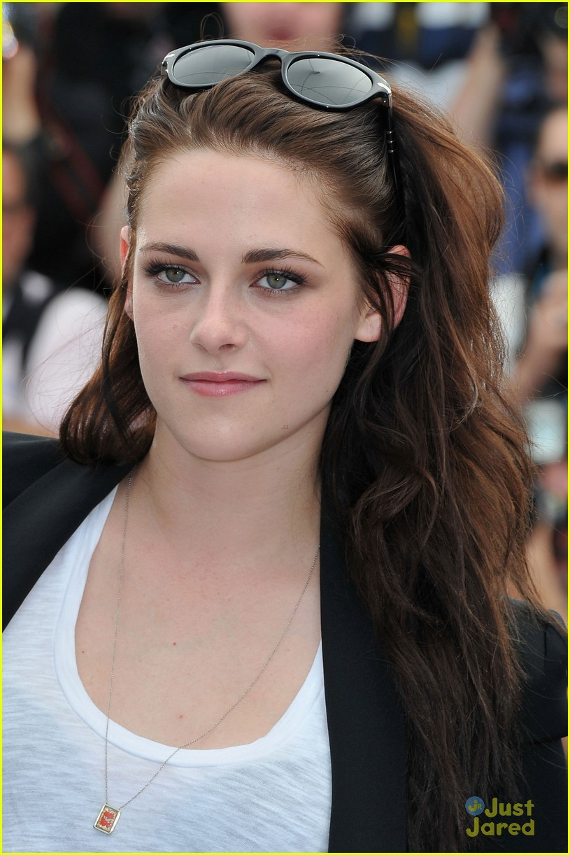kristen stewart road cannes call 02