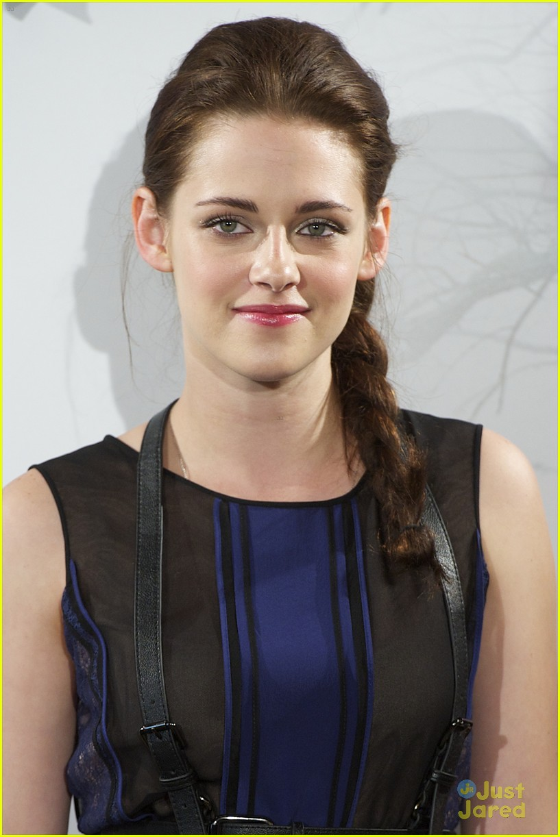 kristen stewart madrid snow 09