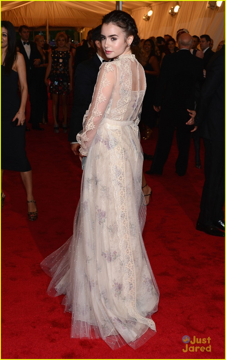 lily collins met ball 02