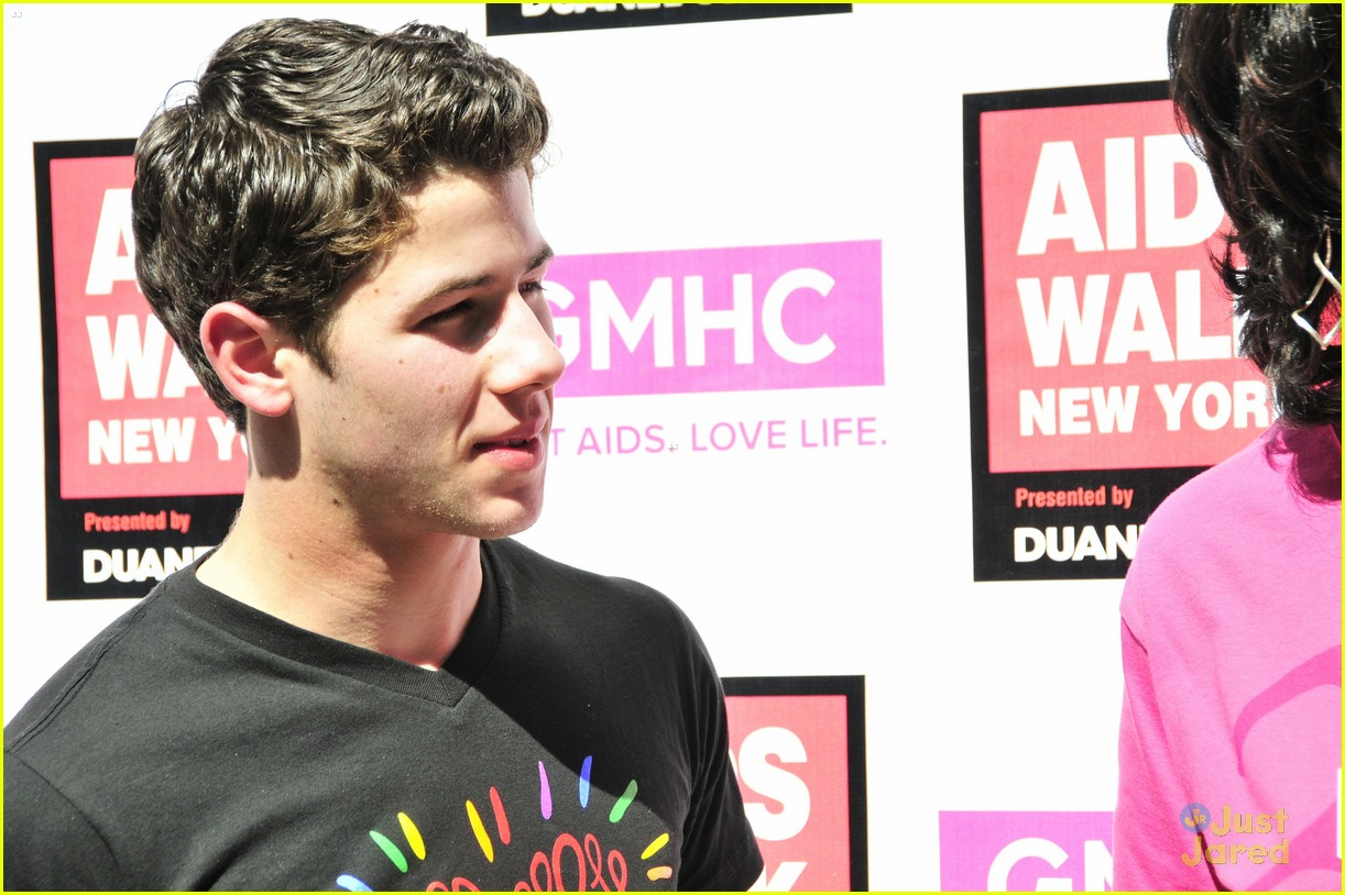 nick jonas aids walk nyc 07