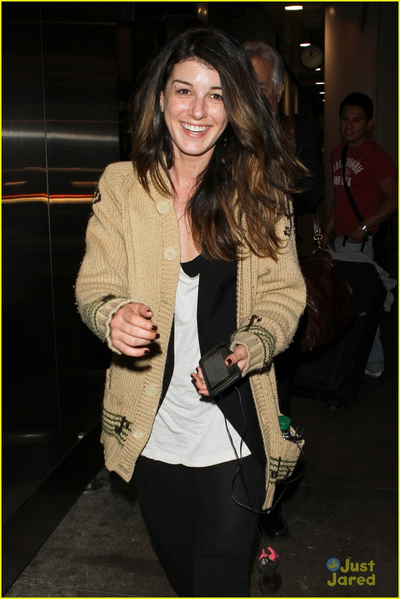shenae grimes no connection annie 04