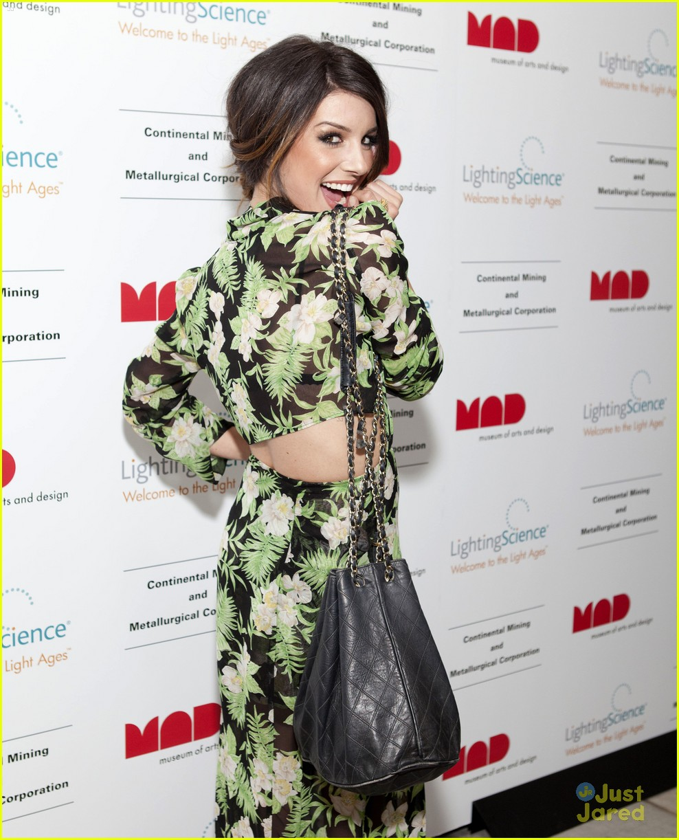 shenae grimes led ball 13