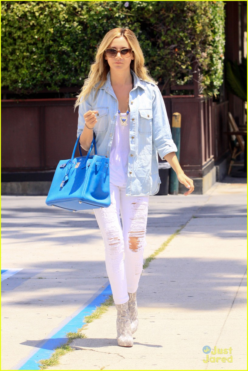 ashley tisdale run robertson 05