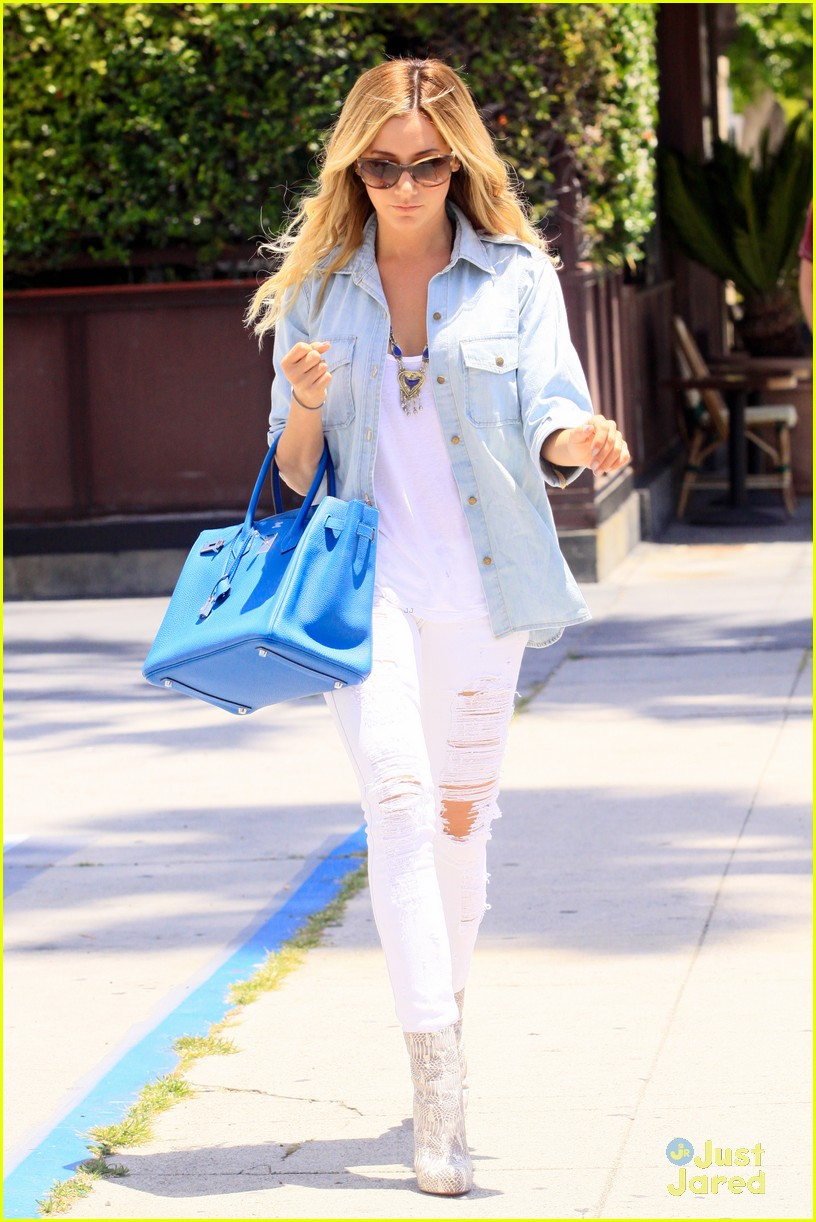 ashley tisdale run robertson 10