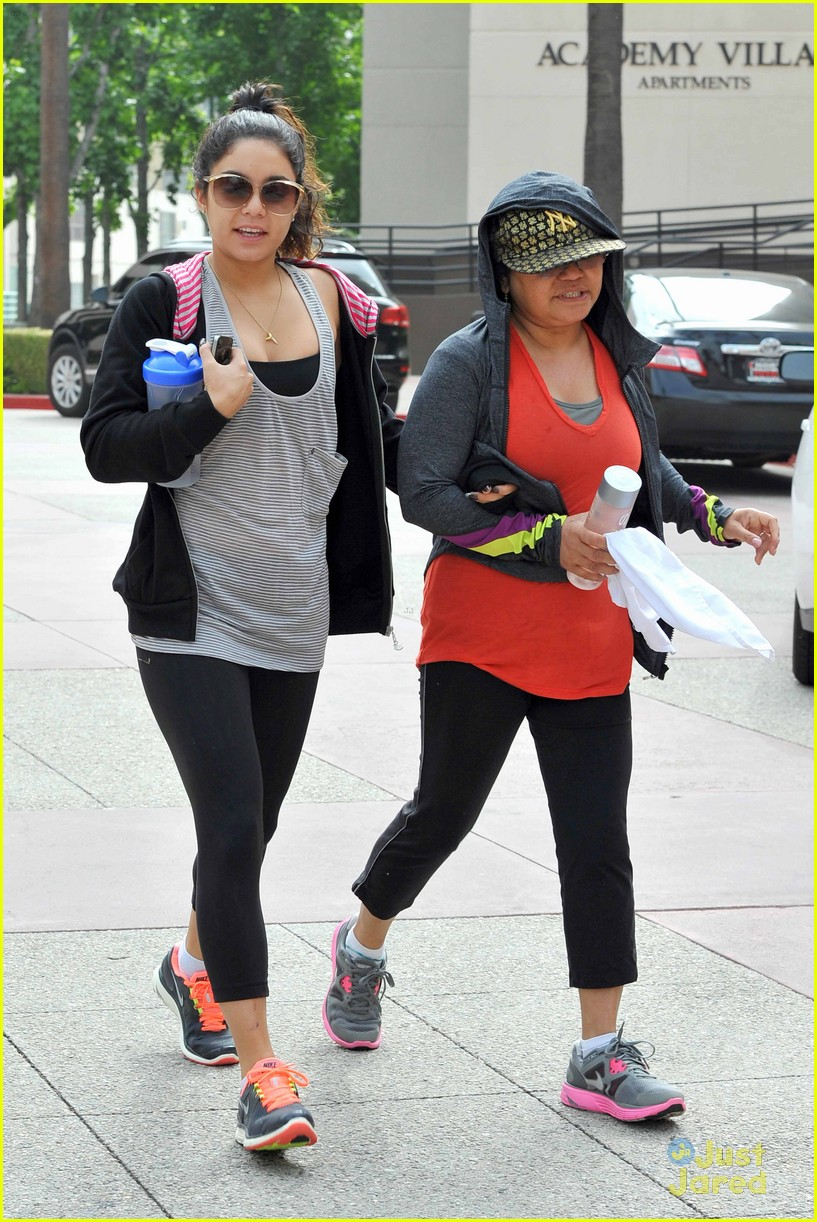 vanessa hudgens lunch stella 06
