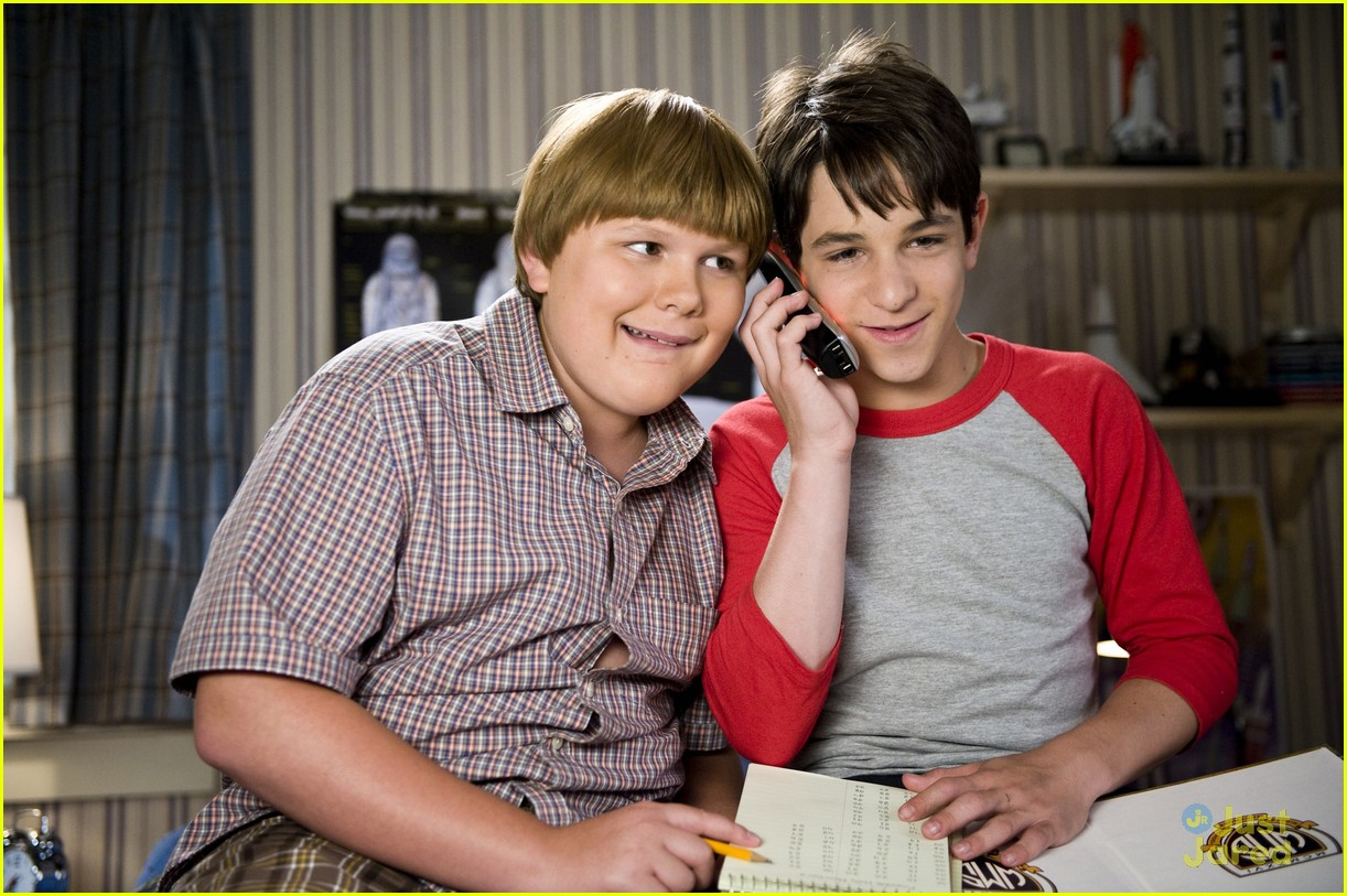 peyton zachary wimpy kid stills 05