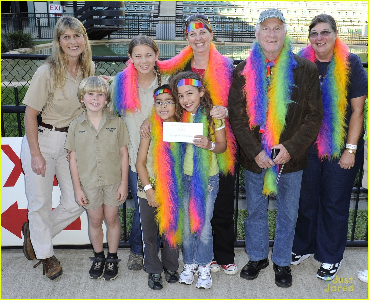 bindi irwin zoo hospital fundraiser 03