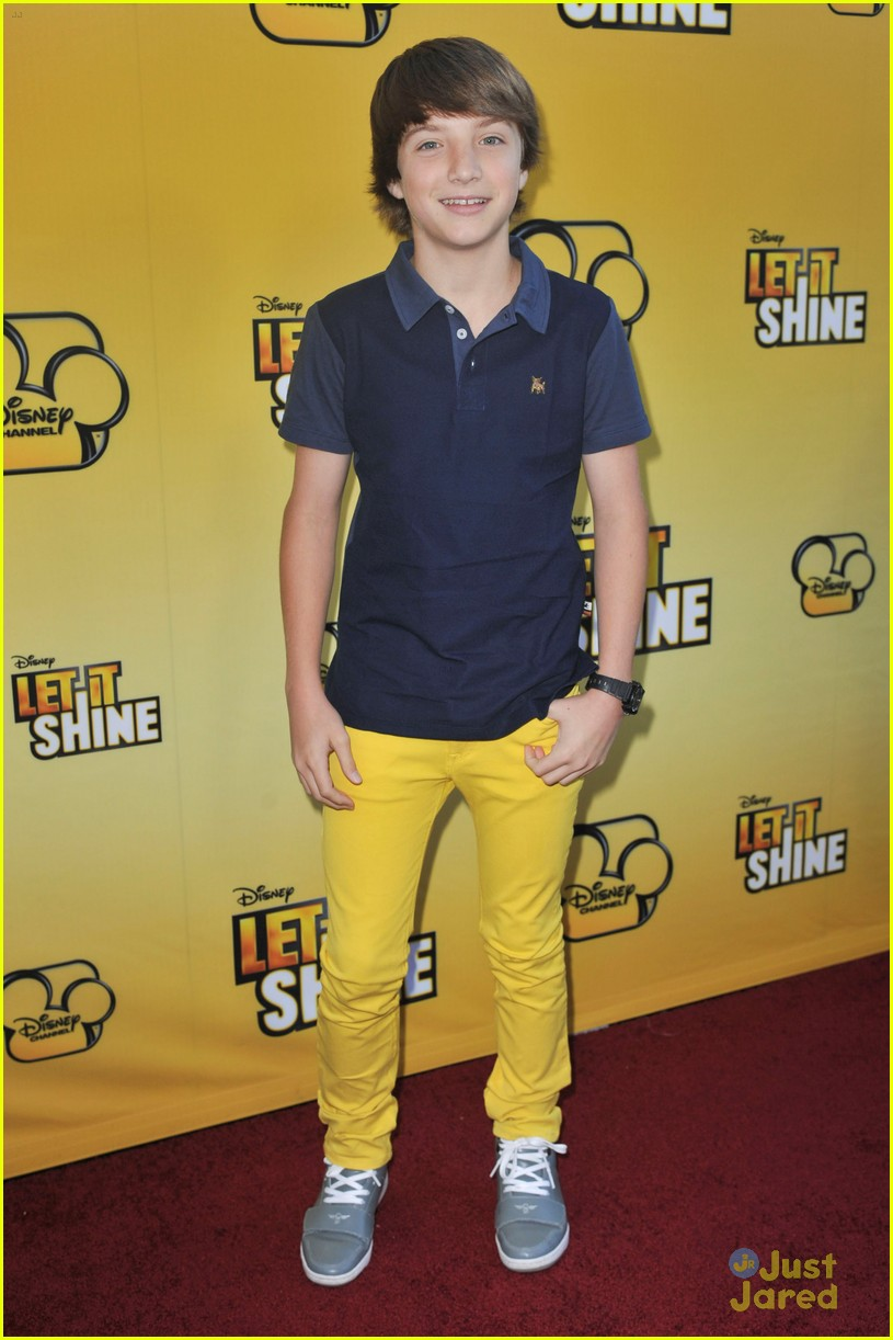 cody simpson calum worthy let shine 15