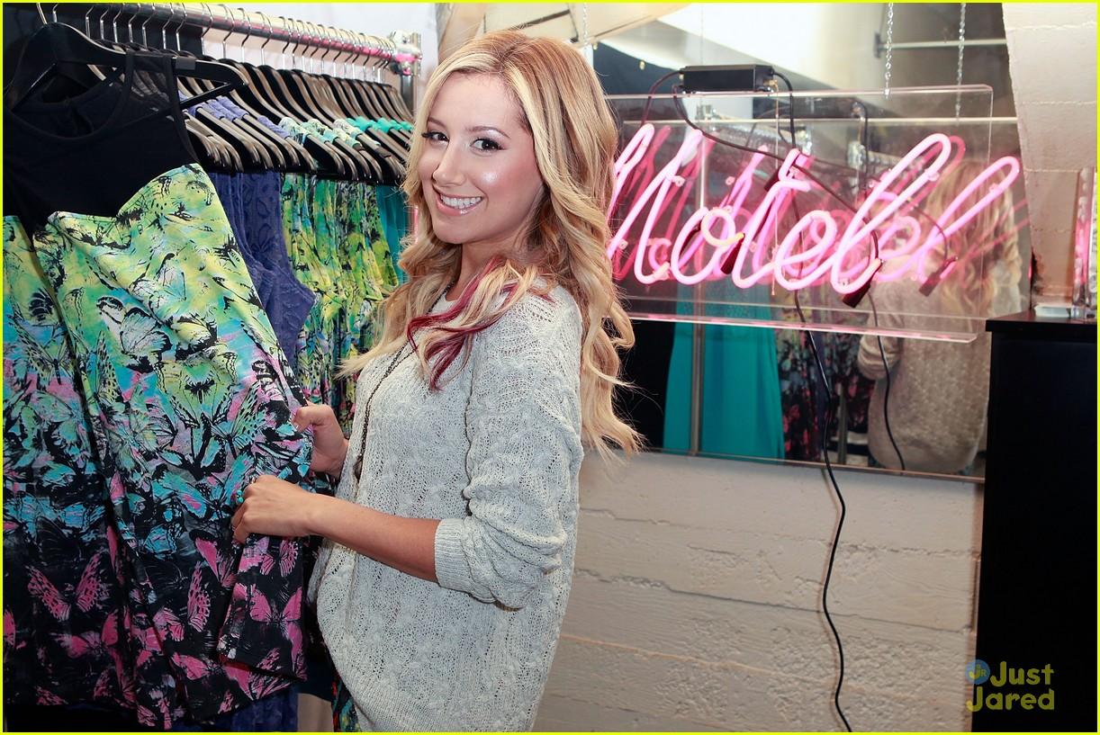 ashley tisdale colgate optic beauty bar 04