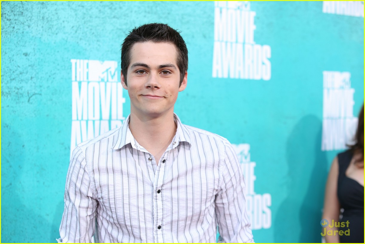 colton haynes dylan obrien mtv movie awards 06