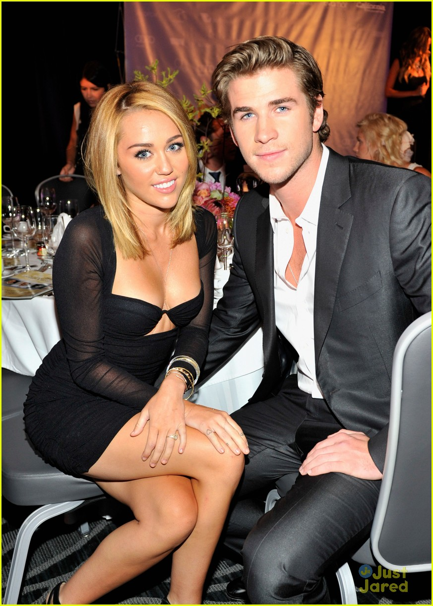 miley cyrus liam hemsworth australians in film awards 03