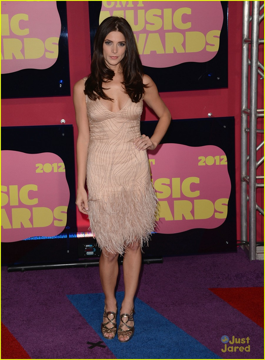 ashley greene cmt awards 03