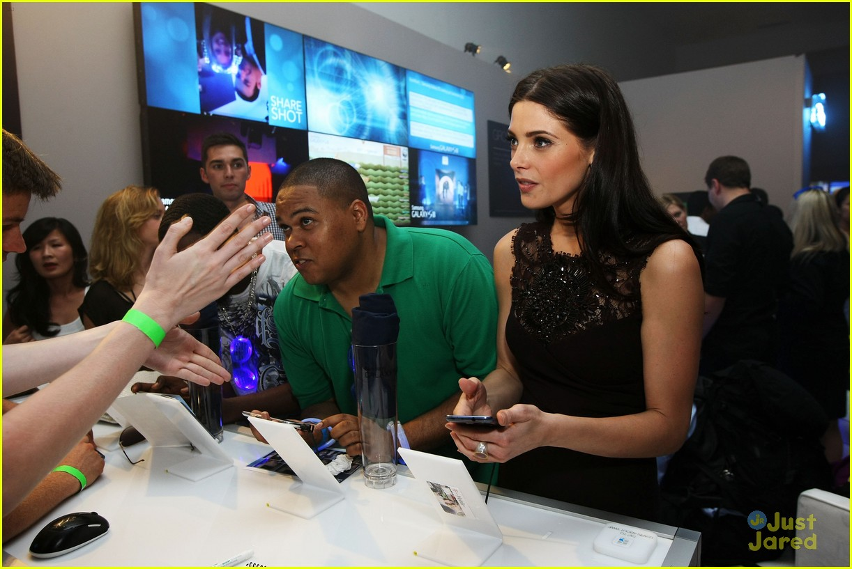 ashley greene samsung launch 09