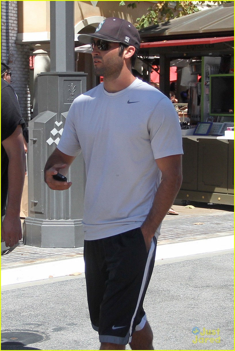 hoechlin grove guy 08