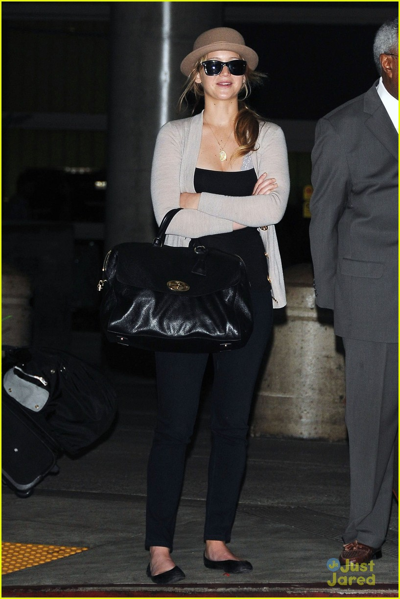 jennifer lawrence lax arrival 10