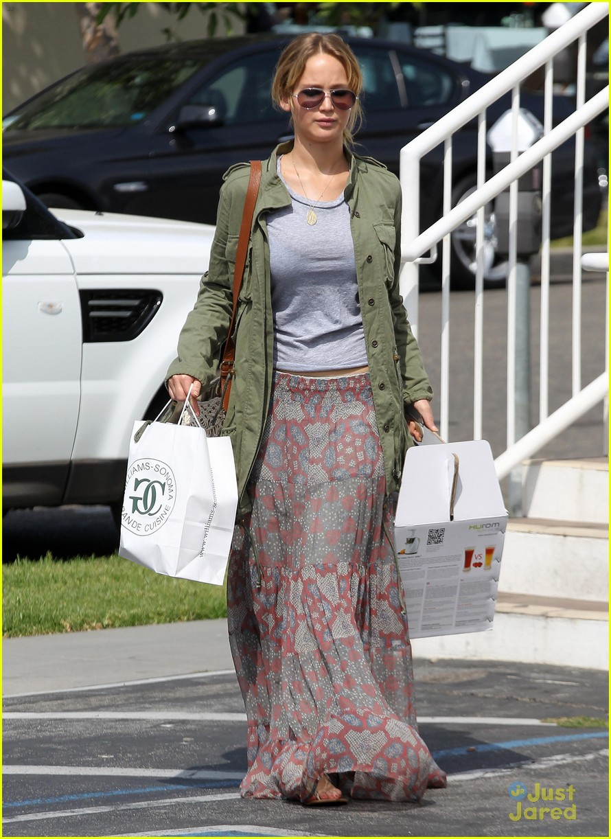 jennifer lawrence sunday shopping 01
