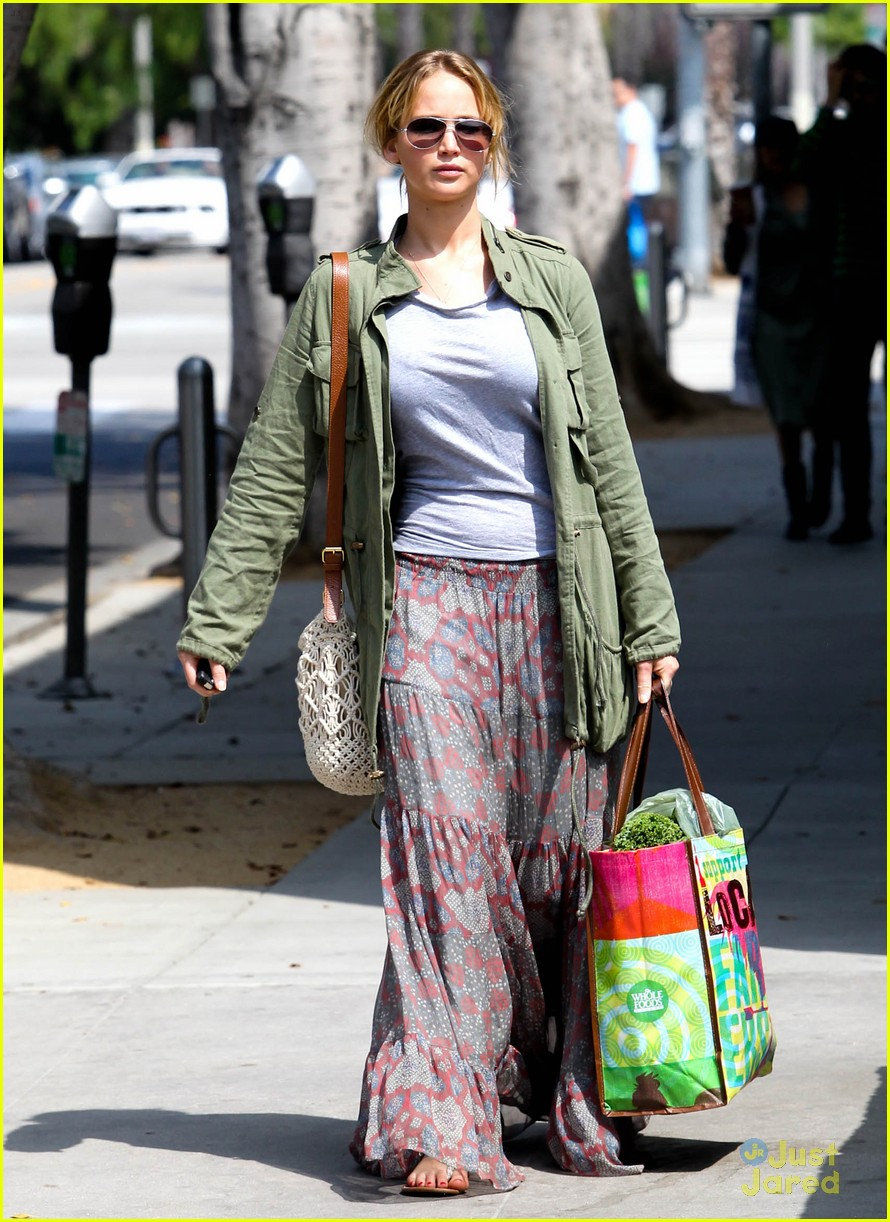 jennifer lawrence sunday shopping 08