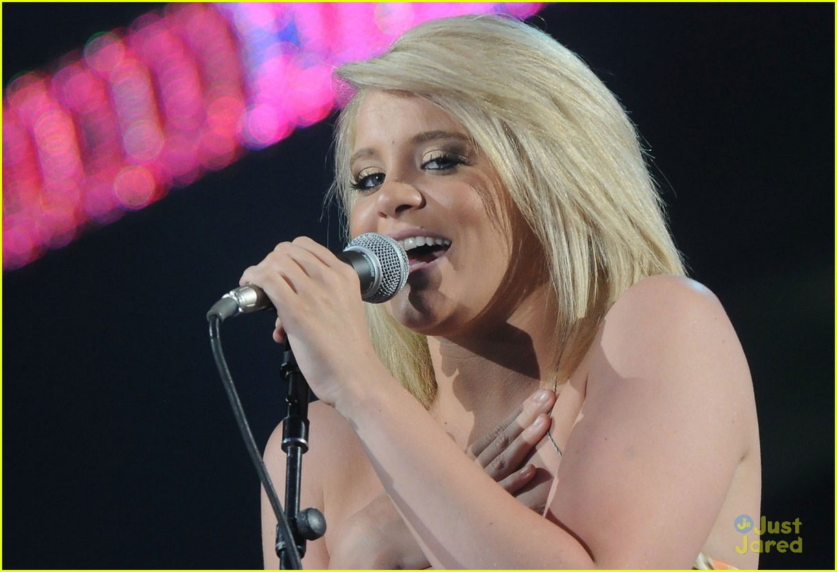 lauren alaina cmt awards rehearsal 09