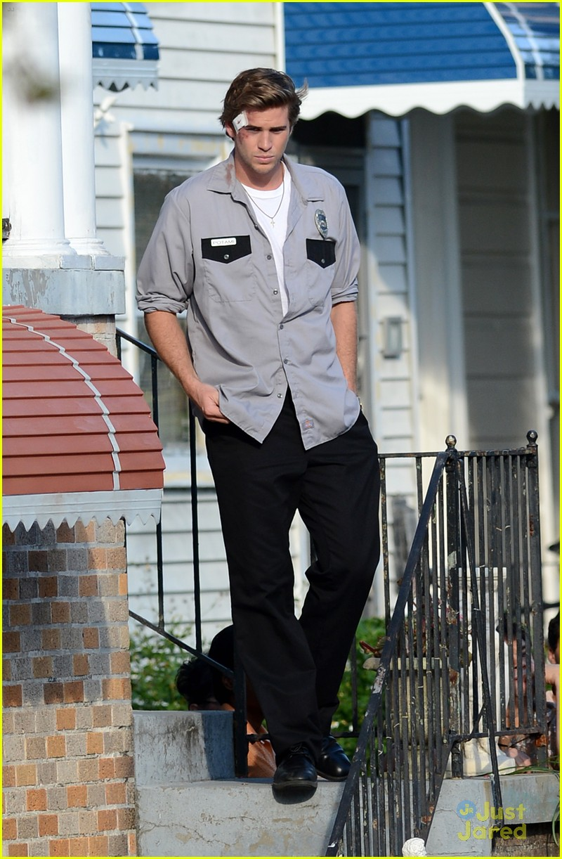 liam hemsworth empire state bandage 06