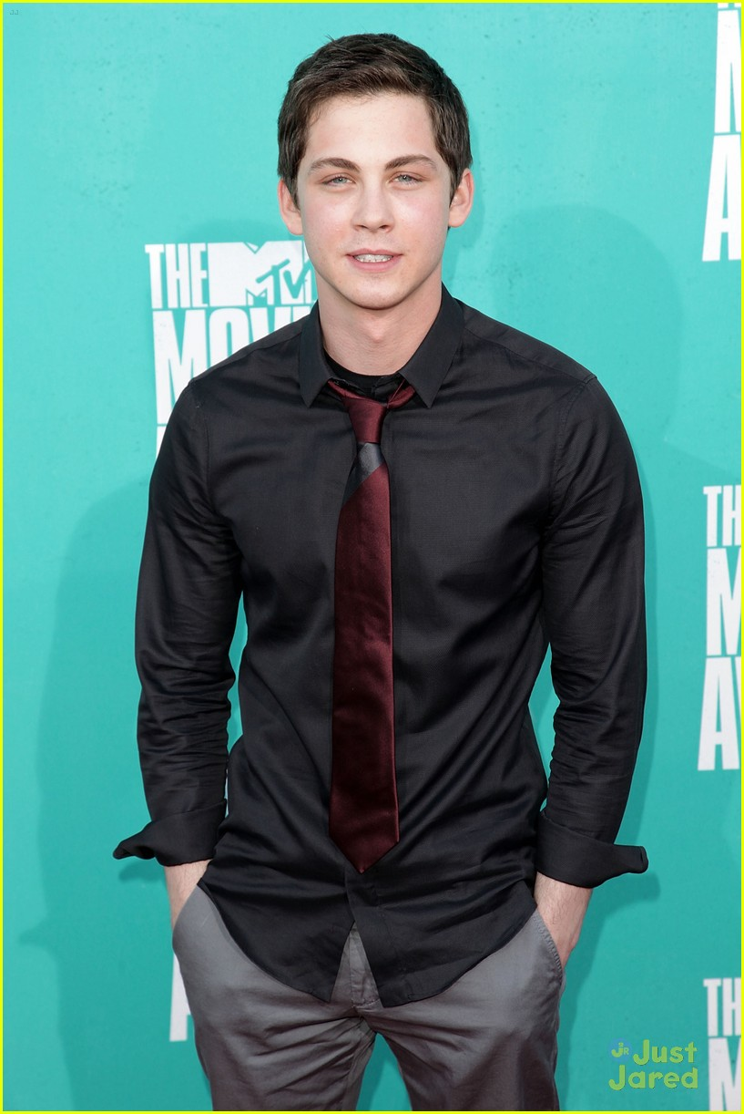 logan lerman mtv movie awards 10