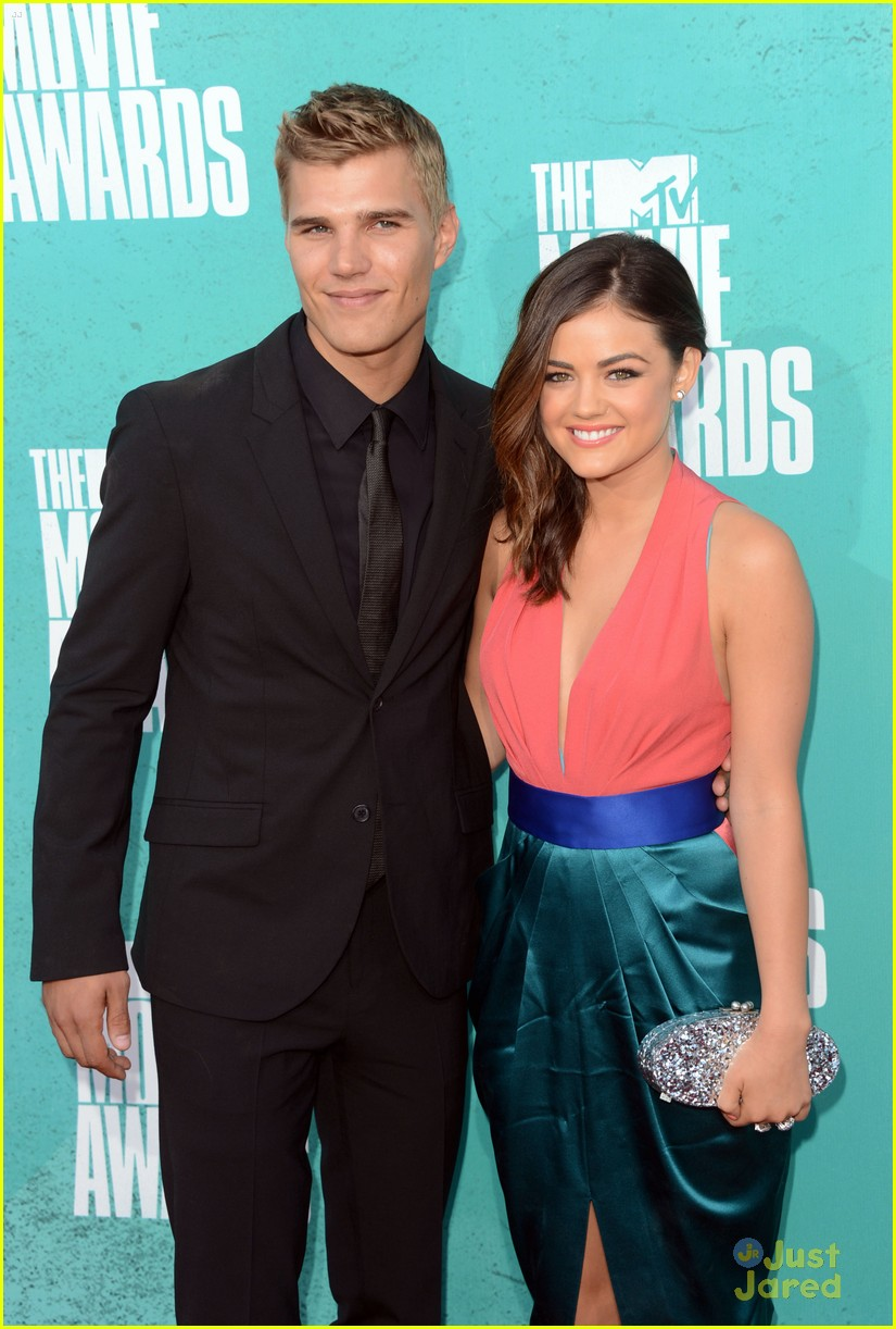 lucy hale chris zykla mtv movie awards 08