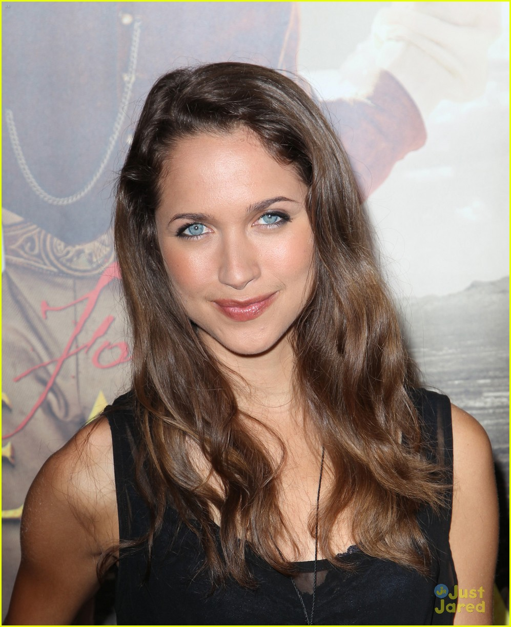 maiara walsh greater glory 02