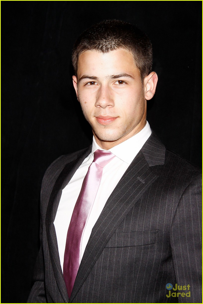 nick jonas tony awards 06