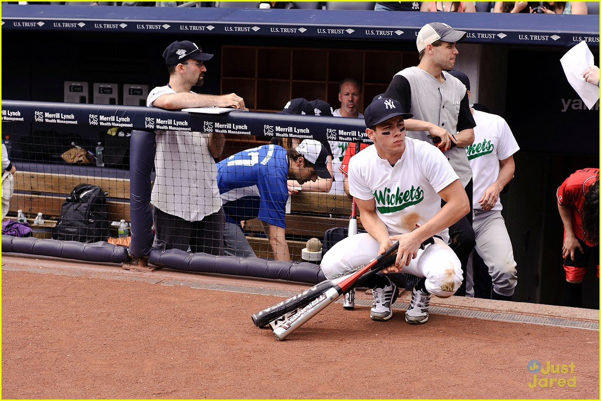 nick jonas wickets baseball 01