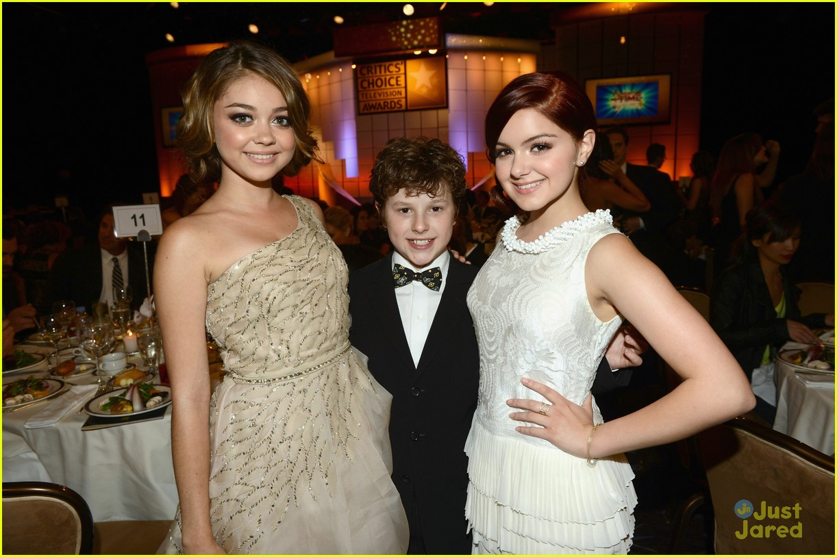 ariel winter sarah hyland critics choice 07