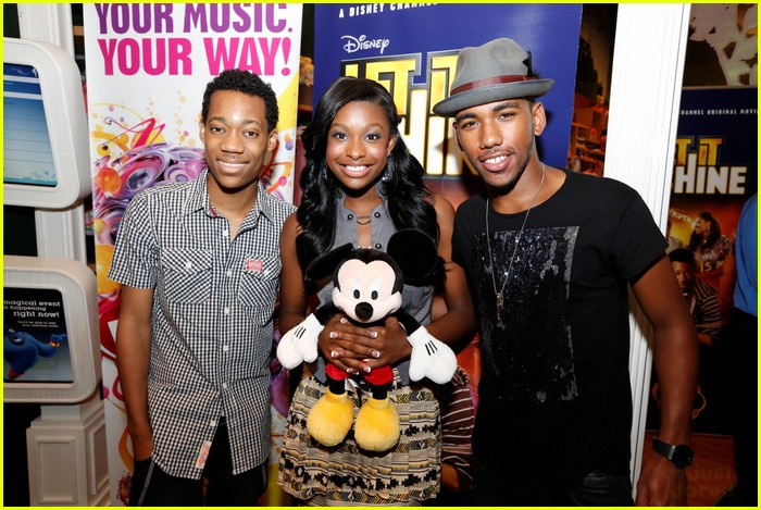 let it shine disney listening party 05