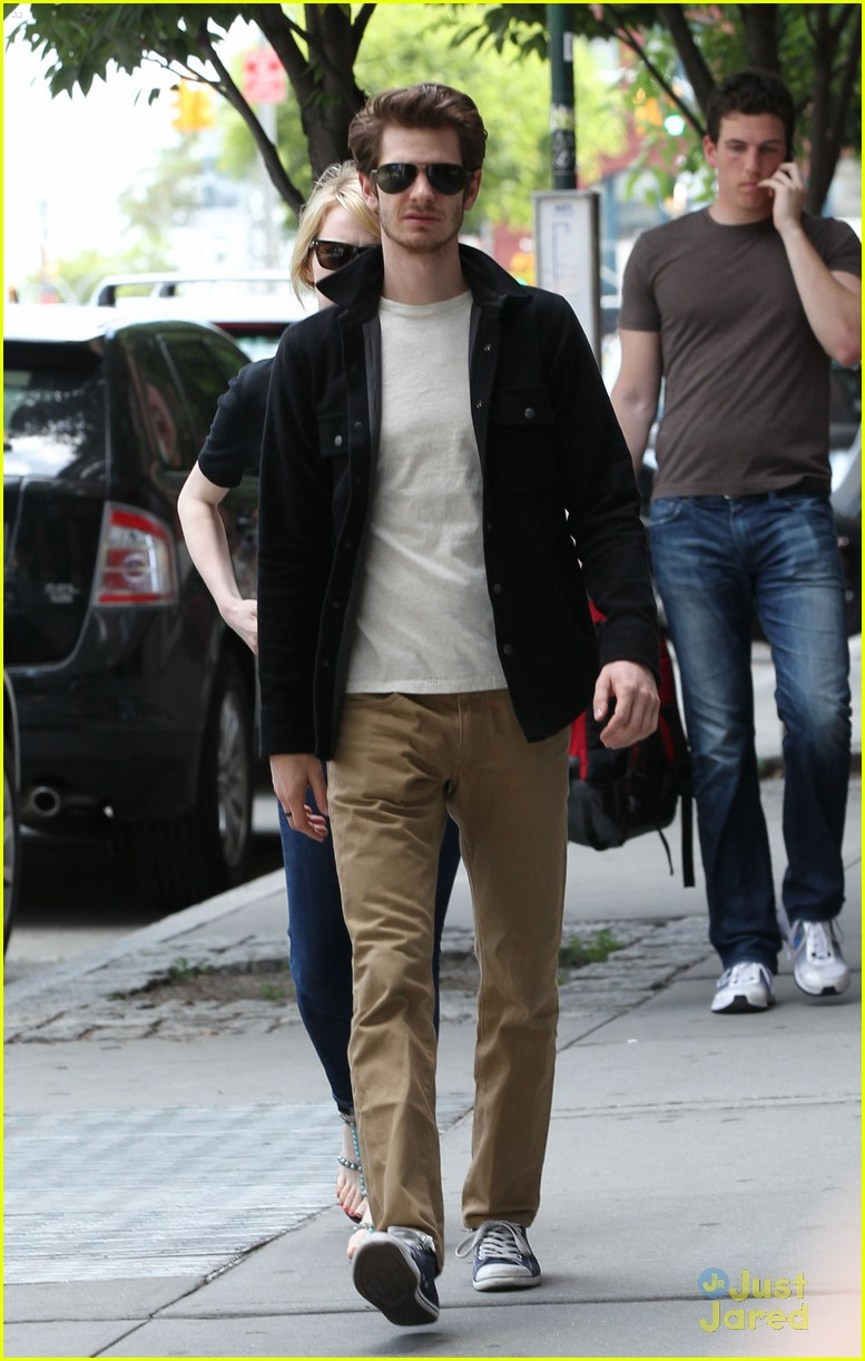 emma stone andrew garfield nyc stroll 07
