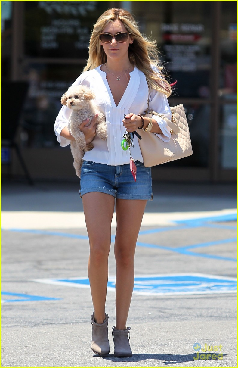 ashley tisdale maui nails 07