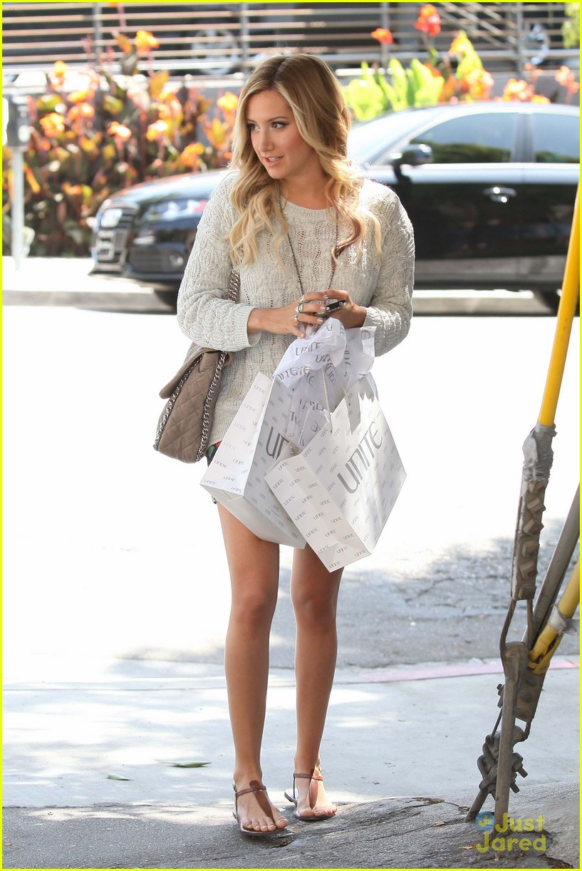 ashley tisdale unite shopper 06